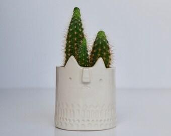 Mini Cat succulent pot // white