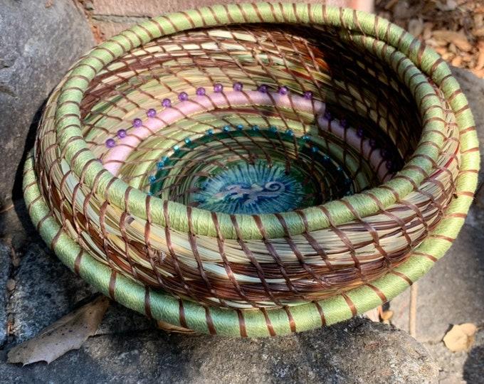 Blue Gekko Pineneedle Basket