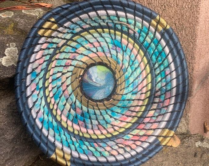 Sky pine needle basket