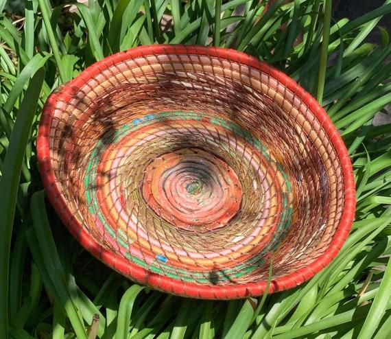 Labirinth pine needle basket