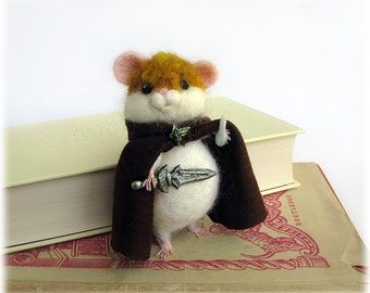 Hamster Sam Gamgee 'Hamwise Gamgee' LOTR needle felted hobbit model fantasy Lord of the Rings Tolkien inspired literary book lover ornament