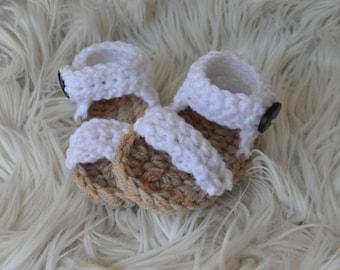 Crochet newborn/baby girls white lace look sandals