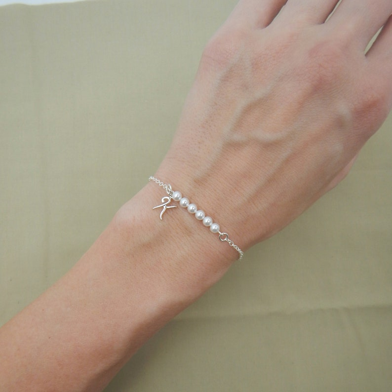 Personalized Pearl Bracelet with Sterling Silver Initial Letter Charm Bridesmaid Bracelet Gift Idea 0430