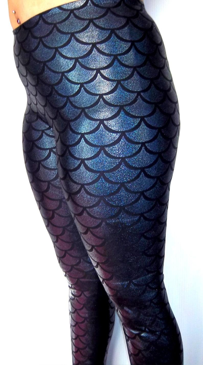 da51515d6e7ff0 Holographische Meerjungfrau Leggings glänzende Leggings   Etsy