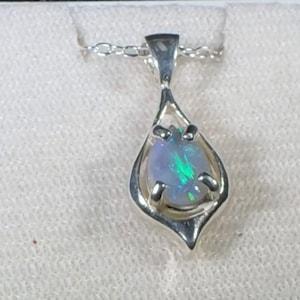 Lovely Multicolored Lightning Ridge Opal Charm for Necklace or Bracelet 14th Anniversary Gem October Birthstone Libra Star Stone