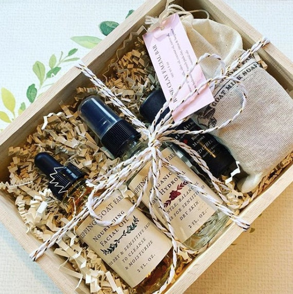 Nourishing natural rose skincare gift set for sensitive skin