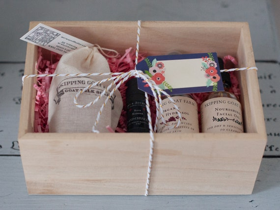 Nourishing natural rose skincare gift set for sensitive skin