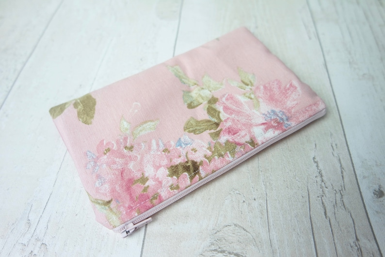 Zipper pouch in floral and pink