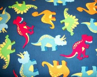 c1cf587f06 Dinos sur taie d'oreiller standard ou un bambin en coton bleu marine
