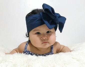 Navy blue head wrap.