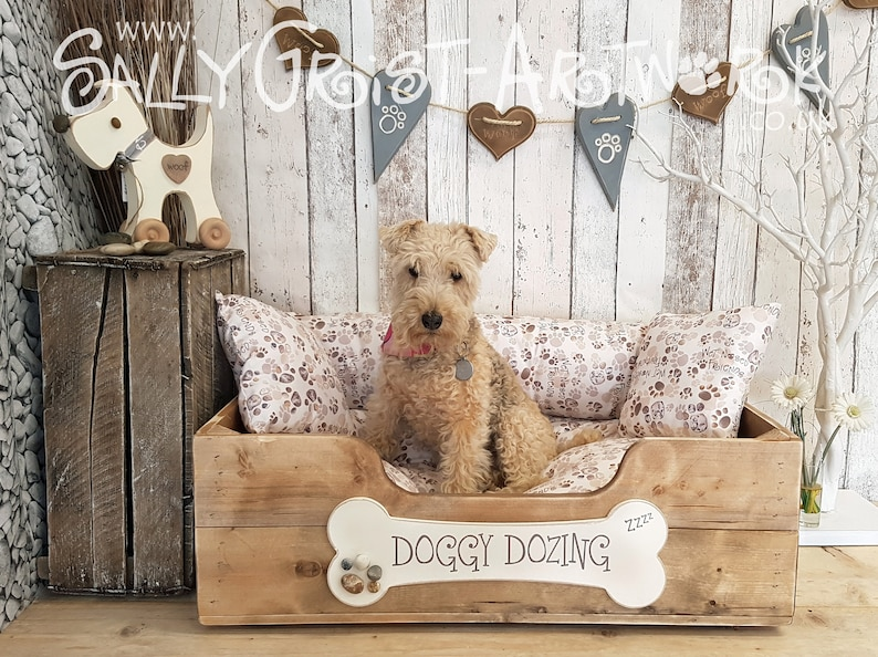 Handcrafted wooden dog bed Driftwood Brown MEDIUM-LARGE  image 1