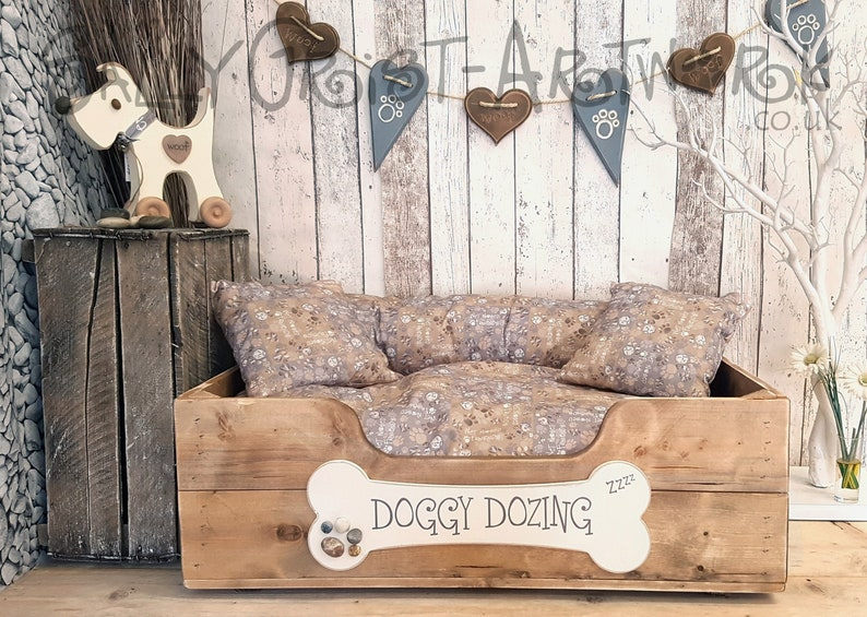 Handcrafted wooden dog bed Driftwood Brown LARGE  75cm x Doggy Dozing