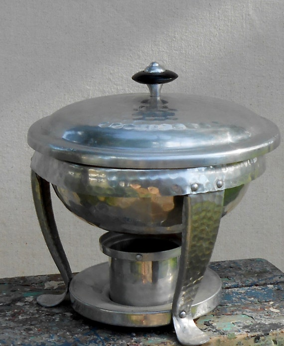 Vintage Mid Century Modern Hammered Aluminum Fondue Pot Warming Dish Retro Silver Metal Candle Heated Pot Made in Spain Potluck