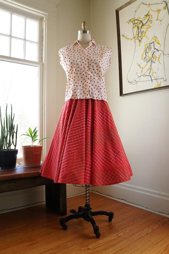 Vintage 1950s Full Skirt / Red Skirt Full Circle S