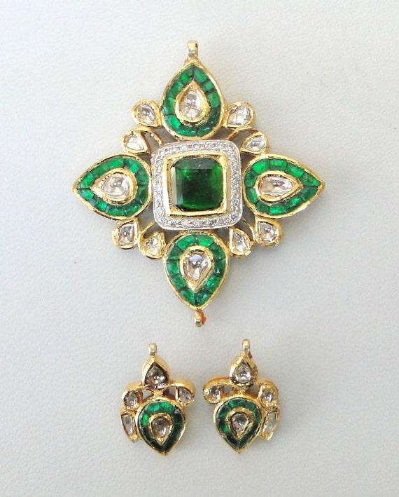 Traditional Design Solid 20k Gold Diamond Kundan E