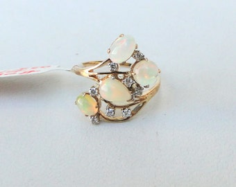 Vintage 14k Solid Gold Opal & Diamond Gemstone Ring India