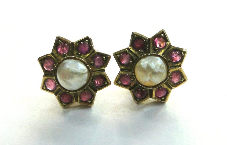 06254e2331e12 Vintage antique solid 14K Gold jewelry Ruby Natural Basra Pearl Stud  earring pair