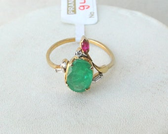 14 K Solid Gold Emerald & Diamond Gemstone Ring India
