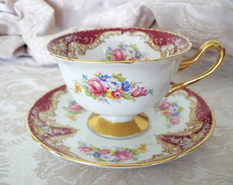 Shelley England Regal Pattern Gainsborough Shape Red Dinnerware Teacup Cup Saucer