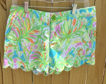 Retro botanical print Lilly Pulitzer buttercup shorts