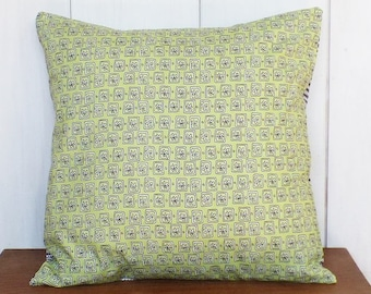 "Cushion 40 x 40 cm, fabric pattern ""Delicious"" pale green and black and white triangles back cover"