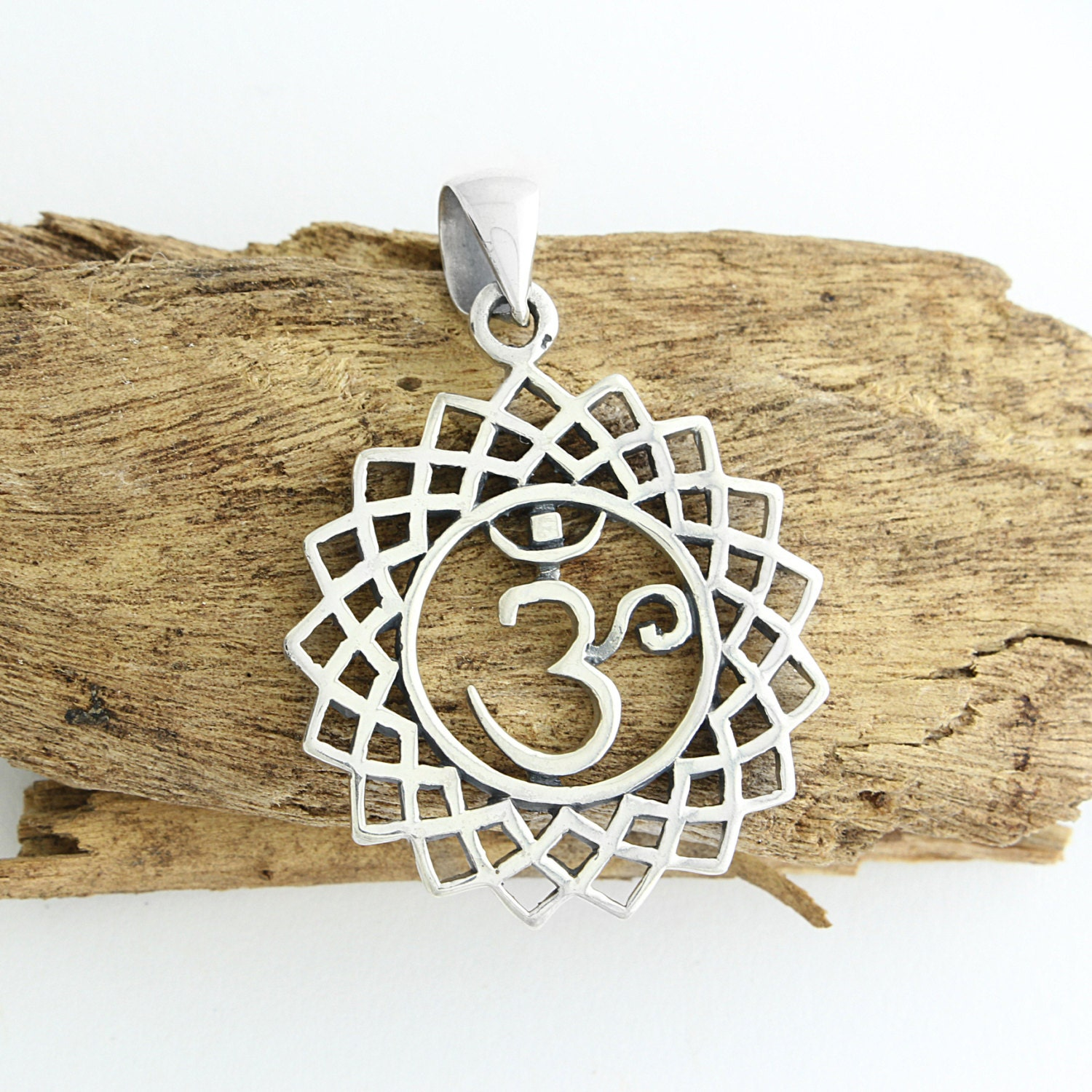 925 Sterling Silver OM AUM Symbol Pendant with Abalone or Natural Shell