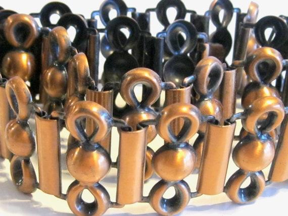 Rare Vintage High End Mod Pressed Copper Link Pane