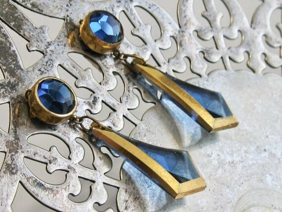 Vintage Fancy Vogue Jlry Clip on  Earrings - Cornf