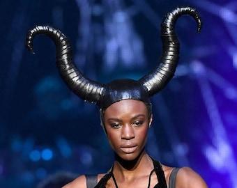 Corns di Toro - Black Horned Headdress