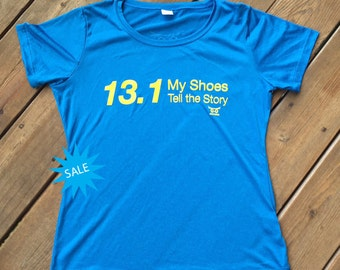 SALE 13.1 My Shoes Tell the Story Performance T-shirt Blue