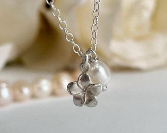 Pearl Necklace, Pearl Pendant Necklace, Wedding Jewelry Necklace, Pearl Drop Necklace, Flower Girl Necklace Silver, Bridesmaid Gift Jewelry