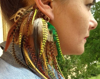Earhook feathers