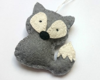 Wildlife ornaments Felt wolf as party favor home decoration  woodland animals decor for nature themed Baby shower nursery eco-friendly gifts