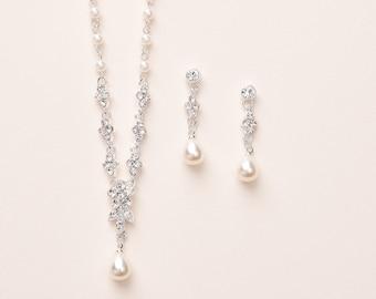 Pearl Wedding Jewelry, Pearl Bridal Jewelry, Pearl Jewelry Set, Pearl Bridesmaid Jewelry, Pearl Bridesmaid Gift, Bride Jewelry Set ~JS-1691