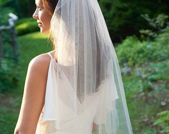 Bridal Veil, Cut Edge Veil, Simple Wedding Veil, Veil for Bride, Wedding Veil, Ivory Veil, White Veil, Veil for Wedding, Simple Veil,VB-5090