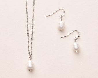 Freshwater Pearl Jewelry, Pearl Earrings and Necklace, Pearl Jewelry, Pendant Necklace, Pearl Jewelry Set, Pearl Drop Necklace  ~JS-1696