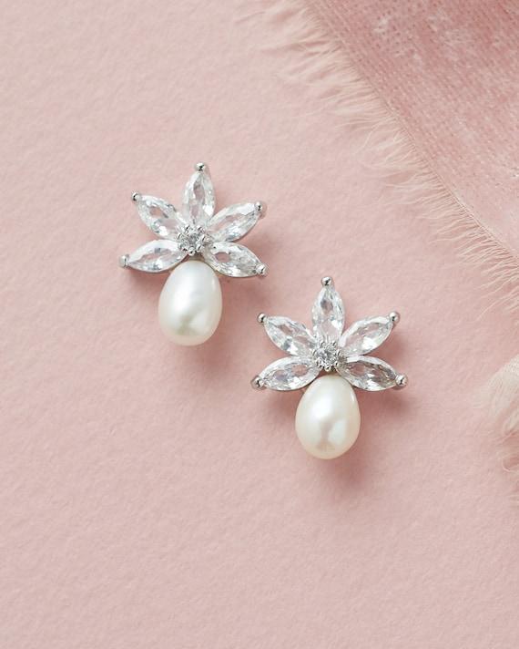 authentic pearl Freshwater Pearl Sterling Silver Earrings Bridal Earrings Bridesmaid Gift Ivory White Pearl Stud Earrings Dipper