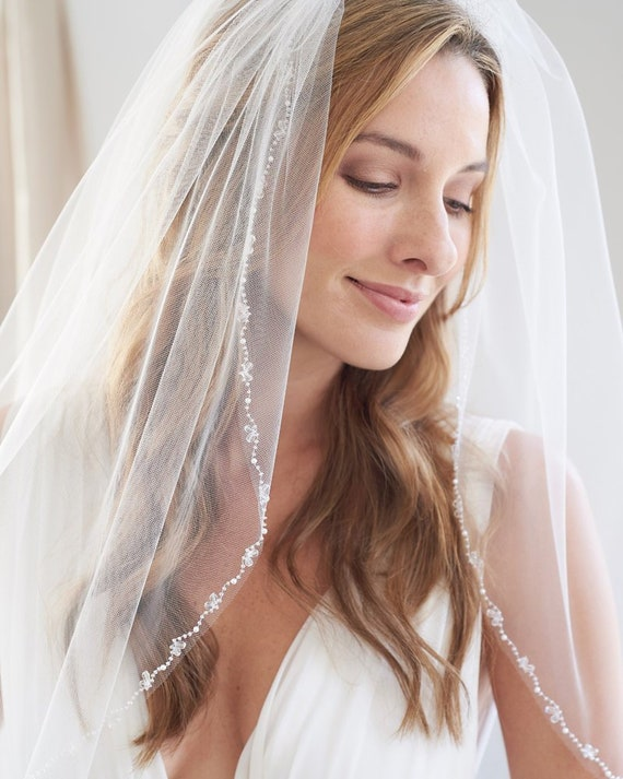 Beads /& Crystals New 2T White Ivory Wedding Fingertip Length Bridal Veil Comb