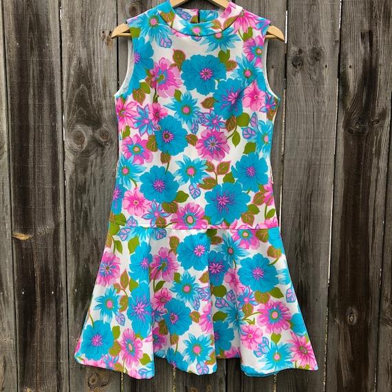 Vintage floral drop waist dress!