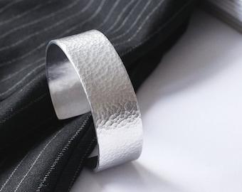 Hammered cuff bracelet, Silver bracelet, Textured cuff, Personalized cuff bracelet, Custom bracelet, Aluminium cuff, Hammered bangle, Wide