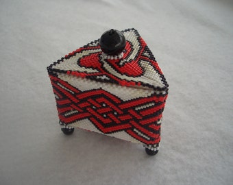 Beaded Box - Red Knot Design
