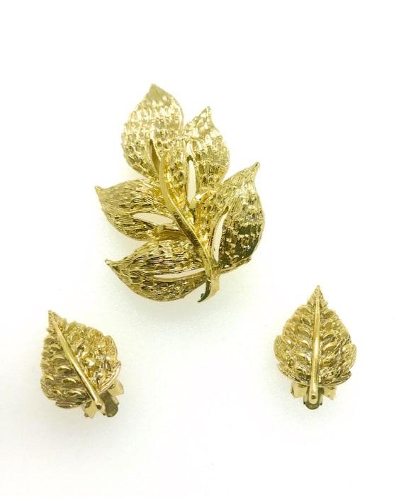 Vintage Coro Leaf Brooch and Earrings Set Goldtone Demi Parure