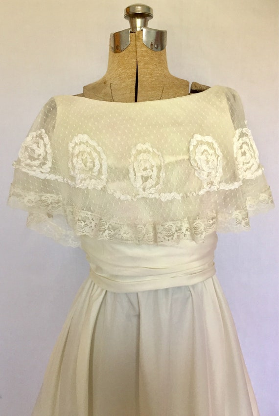 1970's Ivory Antique Lace Wedding Dress