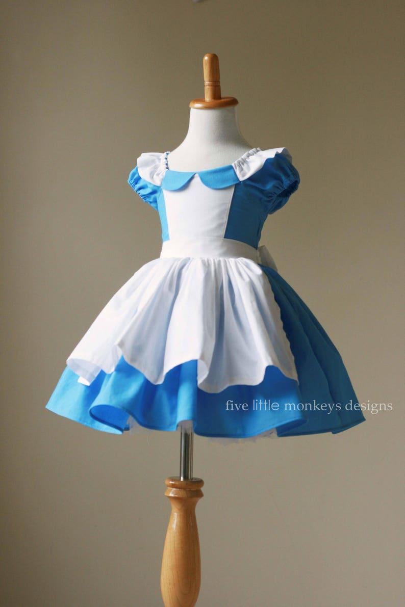 3c28e574167 Alice au pays des merveilles robe dAlice Alice au pays