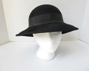 Vintage 1960s Black Wool Hat/ Black Felt Hat/ Woman's Wool Hat/ Small Brim Hat/ Splendide