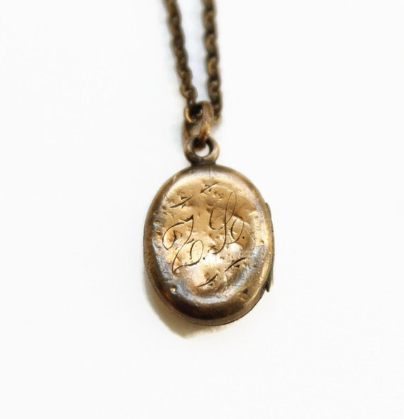 Antique Child's Locket Necklace - Engraved ZL - Ph