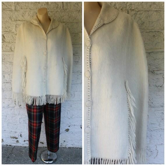 1970s Ivory Wool Cape / Llama Wool Cape / Vintage