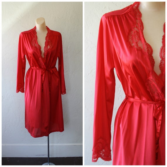 Red Olga Robe / Vintage Olga Lingerie / Candy Appl