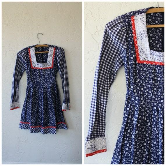 Girls Prairie Dress / Vintage Calico Dress / Girls