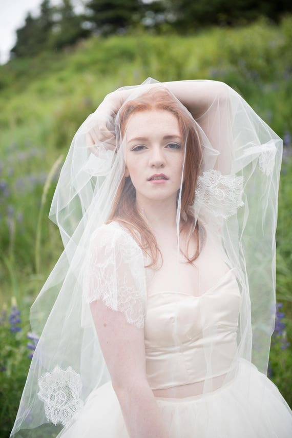 Cora Veil with Scattered Lace